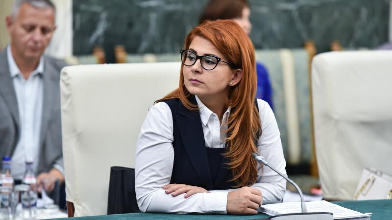 Ministrul Ioana Bran: Tinerii cred în instituţia căsătorie şi sunt sigură că la referendum vor vota
