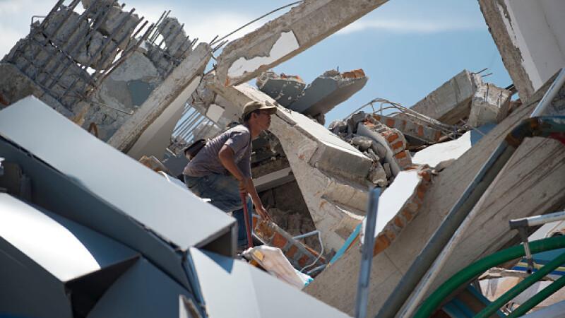 Autoritățile au anunțat un nou bilanţ al cutremurului urmat de tsunami din Indonezia