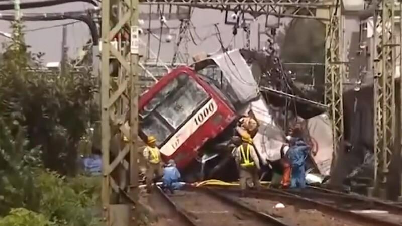 Coliziune între un tren și un TIR la Tokyo