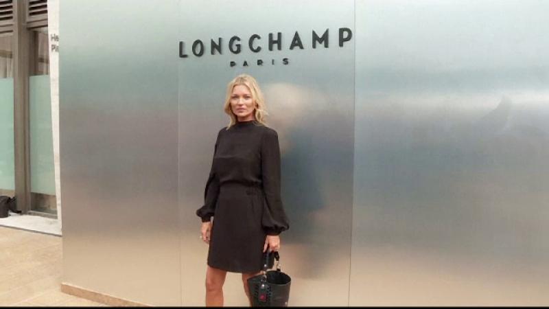 """Kate Moss, apariție inedită la prezentarea de modă de la New York. """"Mă simt sofisticată"""""""