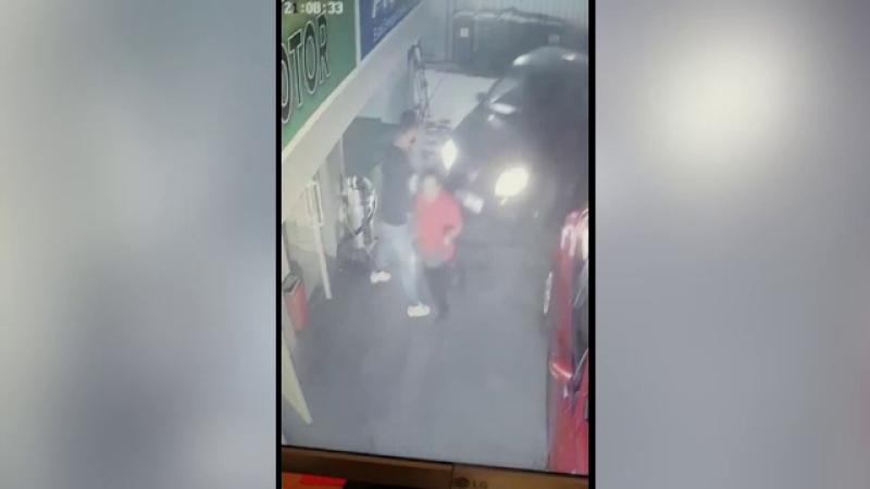 Șofer scăpat de sub control într-o benzinărie din București