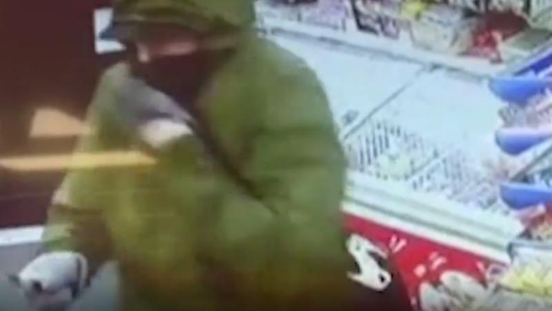 Un hoț înarmat a fost pus pe fugă de o fetiță de 11 ani