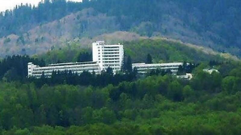 Bărbat în sevraj etilic, alergat de medici pe holurile sanatoriului Moroieni