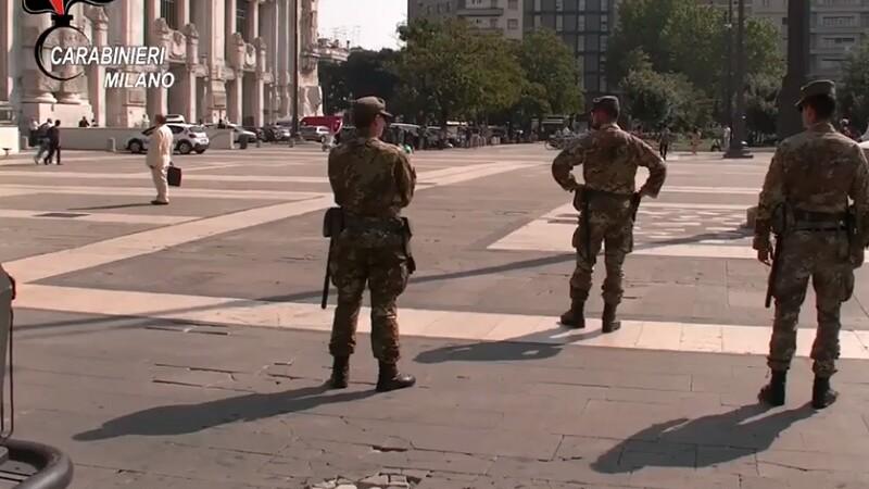 Soldat italian atacat de un migrant într-o piață din Milano