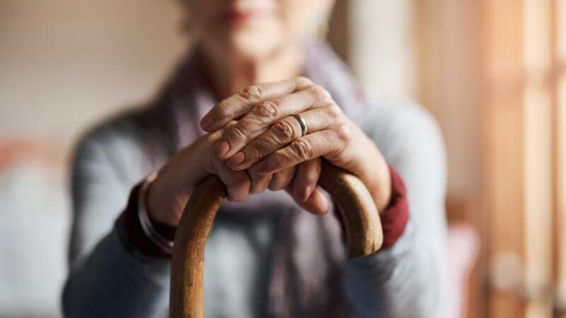 O femeie de 83 de ani a rămas blocată în toaletă timp de 6 zile. Cum a fost găsită