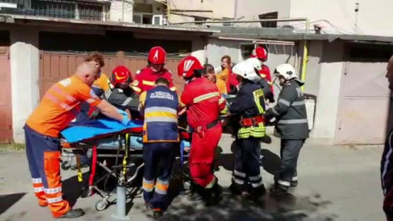 """Doi frați din Baia Mare au căzut de la etaj. Vecină: """"Ni s-au părut ciudați"""""""