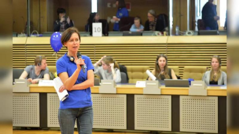 O româncă, purtător la cuvânt adjunct al Comisiei Europene. Cine este Dana Spinanț