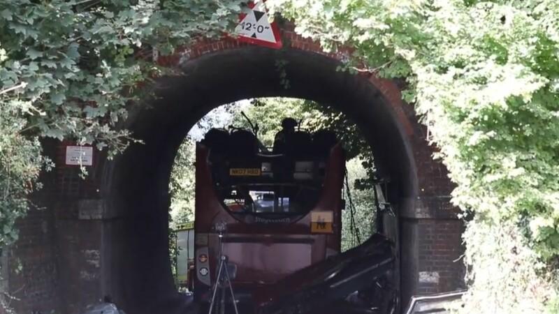 autobuz copii accident tunel