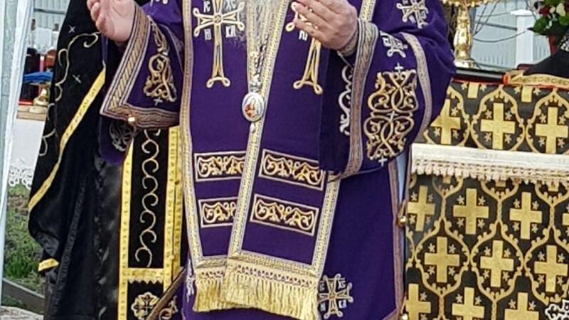 """Unde s-a internat Episcopul Hușilor, bolnav de Covid-19. """"Dumnezeu ne va ajuta pe toți"""""""
