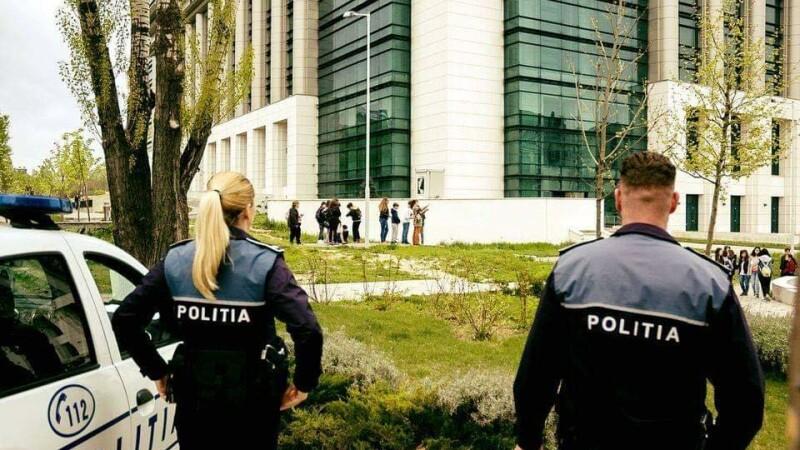 politia copii la scoala