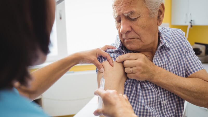 România, printre ţările UE cu cea mai scăzută rată de vaccinare a bătrânilor împotriva gripei