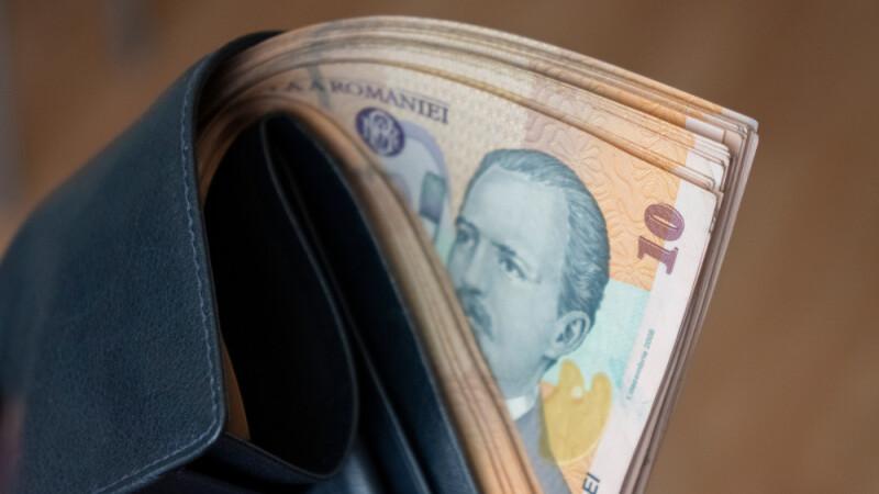 ajutând un pensionar să facă bani