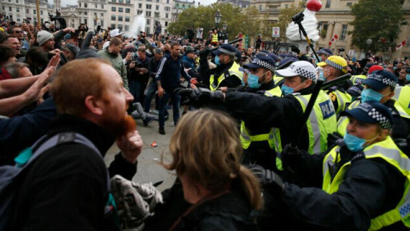 """Protest violent anti-""""Covid-1984"""" la Londra"""