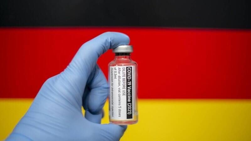 Germania: Salariul persoanelor nevaccinate şi plasate în carantină urmează să nu mai fie plătit de către Guvern