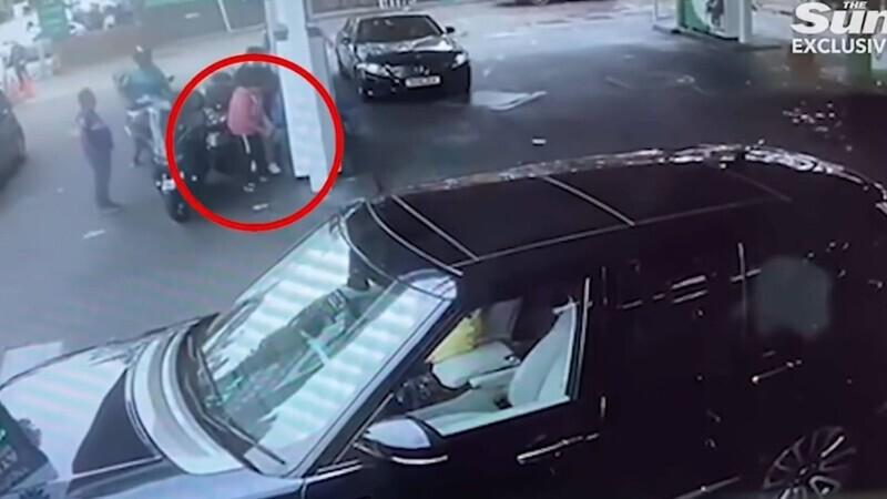 femeie atacata combustibil