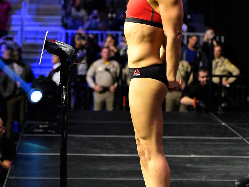 Meciul anului in MMA-ul feminin: Ronda Rousey si Amanda Nunes au facut spectacol la cantar. Ronda, intr-o superforma