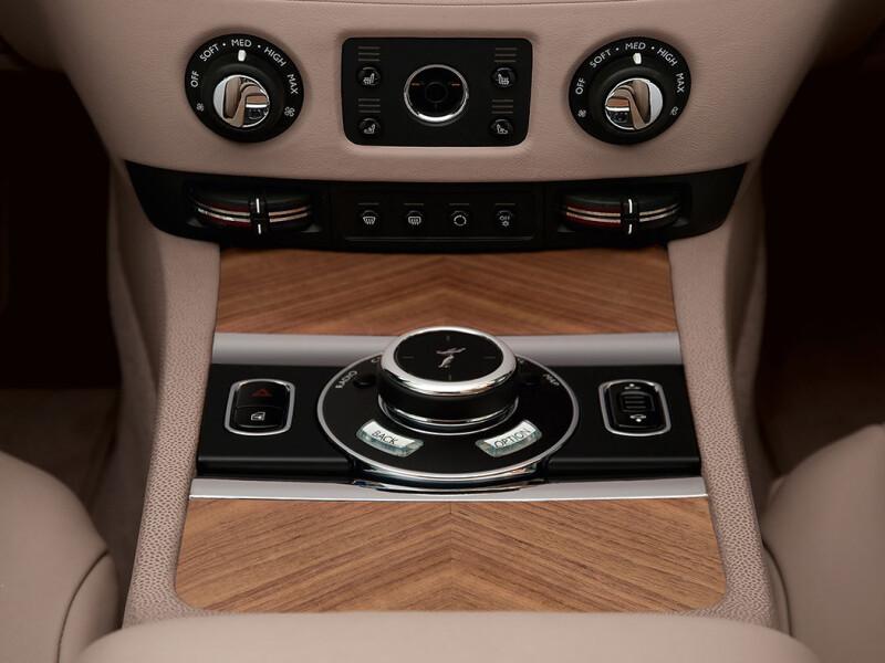 Rolls-Royce Wraith - 12