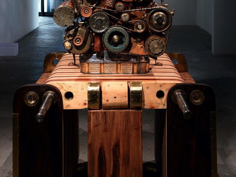 Replica motor V12