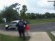 Momentul în care o fetiță de 6 ani este arestată de polițiști, la școală