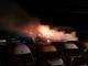 Incendiu puternic într-un parc auto din județul Buzău. 27 de autoturisme s-au făcut scrum
