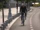 Bicicliștii care folosesc telefonul în trafic vor fi sancționați