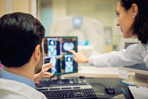 Image result for Sistem pilot de monitorizare a medicilor din România, ca să nu chiulească de la muncă