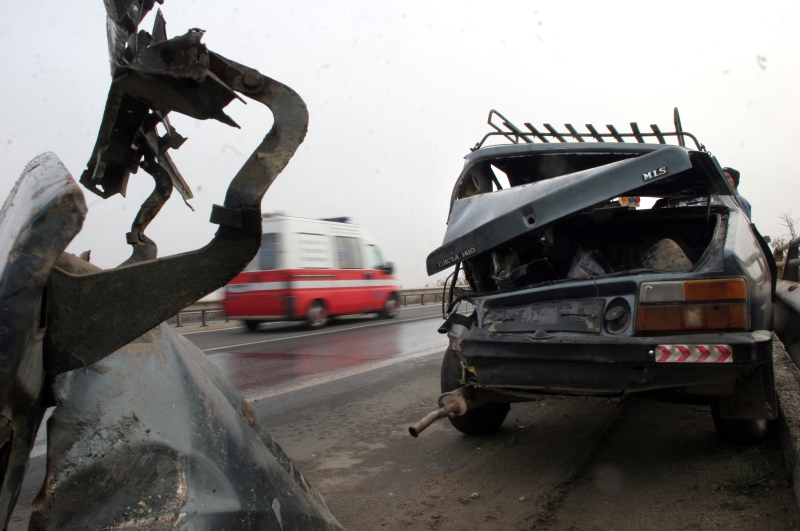 Un incendiu de vegetatie uscata a provocat doua accidente in lant pe autostrada Arad - Timisoara