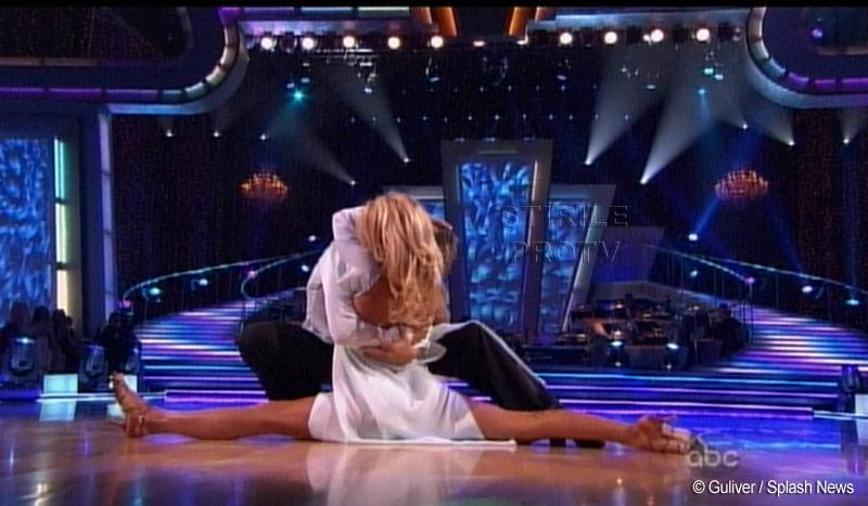 Pamela Anderson si Nicole Scherzinger, sexy cha-cha pe Lady GaGa! VIDEO