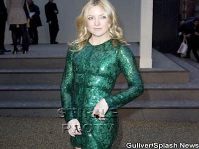 Kate Hudson si-a pus silicoane. Nu s-ar zice!