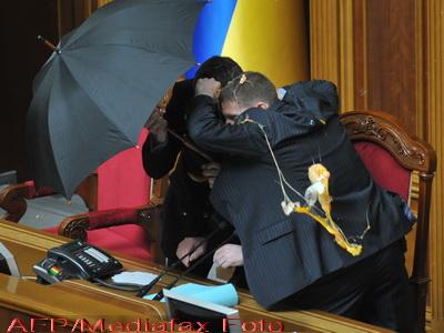 Parlamentarii s-au batut cu mancare chiar in Duma din Ucraina