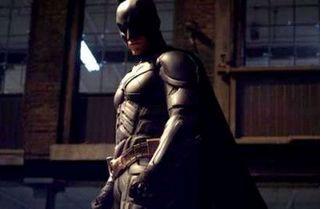 FOTO. Un barbat deghizat in Batman, filmat in momentul in care preda un infractor politiei