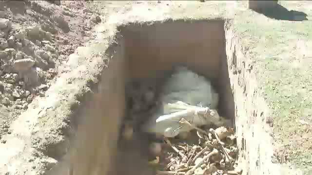 Au scos mortii din gropi pentru a construi o discoteca sateasca in locul cimitirului