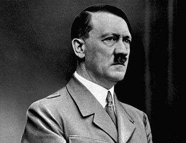 Un elev de 10 ani din Marea Britanie, pedepsit dupa ce a venit la scoala imbracat ca Adolf Hitler