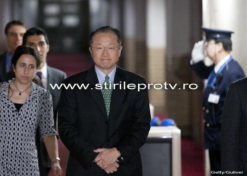 Doctorul Jim Yong Kim, cunoscut pentru activitatea in lupta contra SIDA, noul sef al Bancii Mondiale