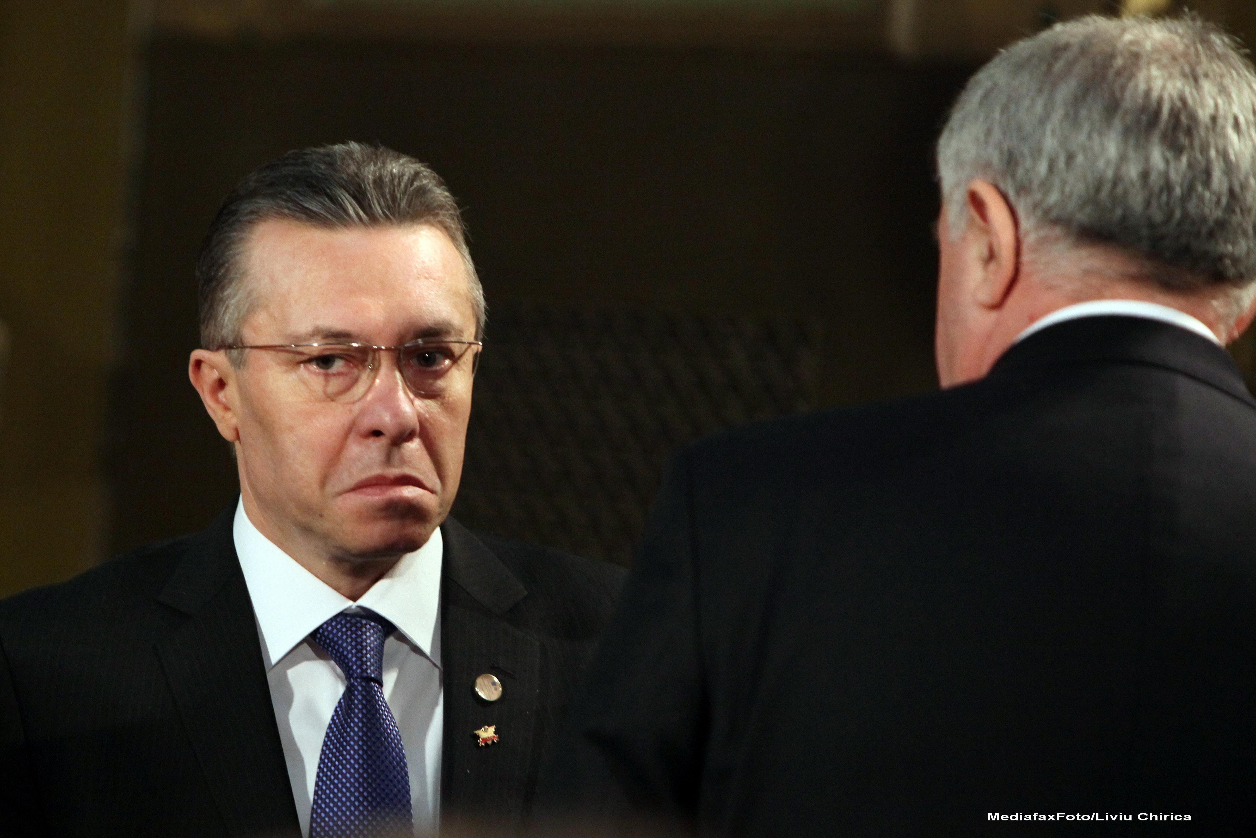 Cristian Diaconescu, consilierul prezidential al lui Traian Basescu a fost eliberat din functie