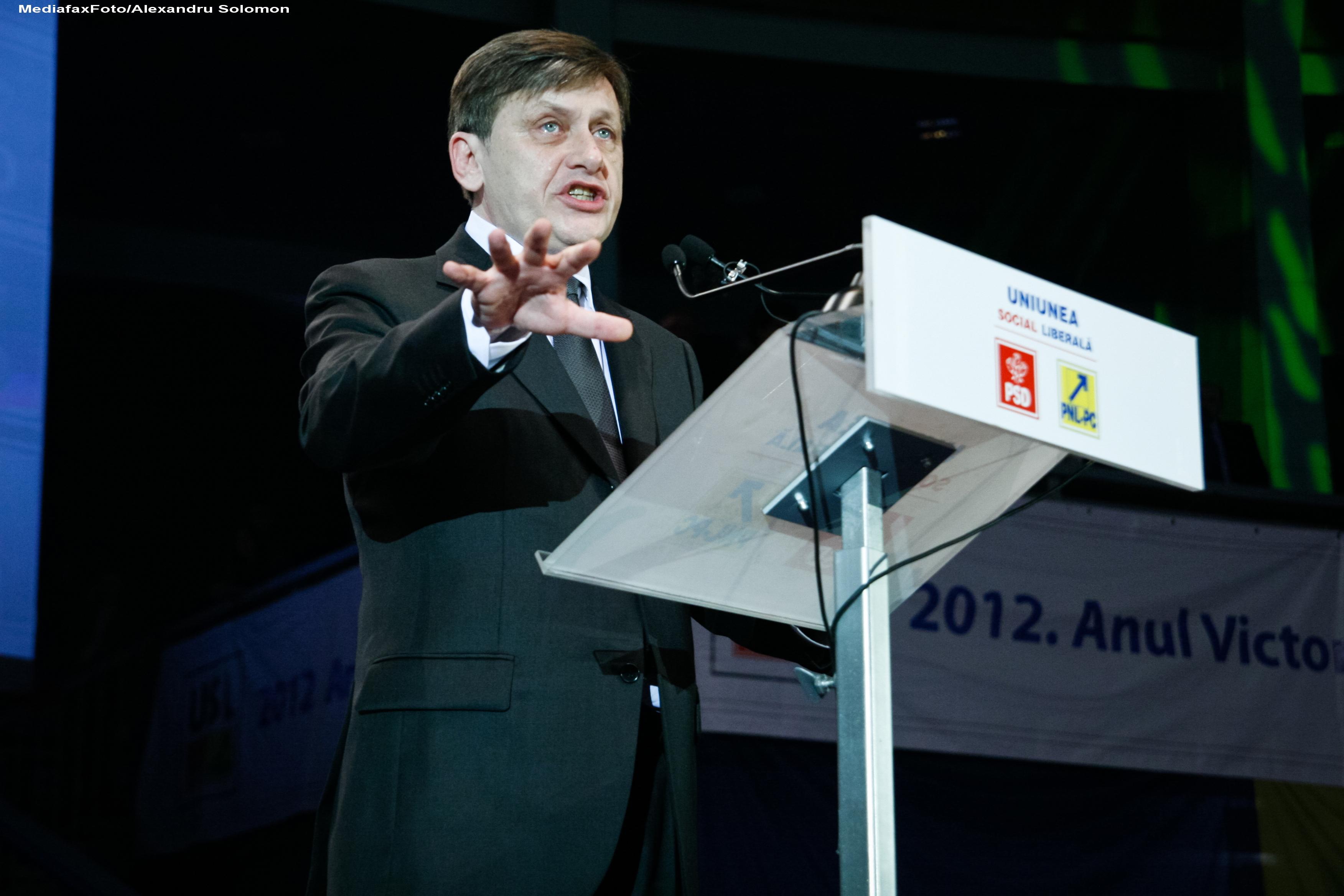 Alegeri locale 2012. Crin Antonescu: Nu renuntam la candidatura pentru Sectorul 6