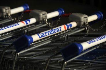 Francezii de la Carrefour s-ar putea retrage din Romania. Walmart si Tesco, posibili inlocuitori
