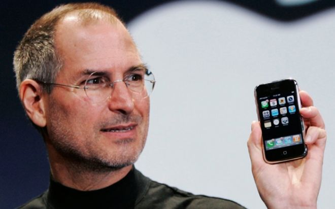 Greseala incredibila a lui Steve Jobs. Decizia prin care Apple a ramas cu 10 ani in urma Microsoft