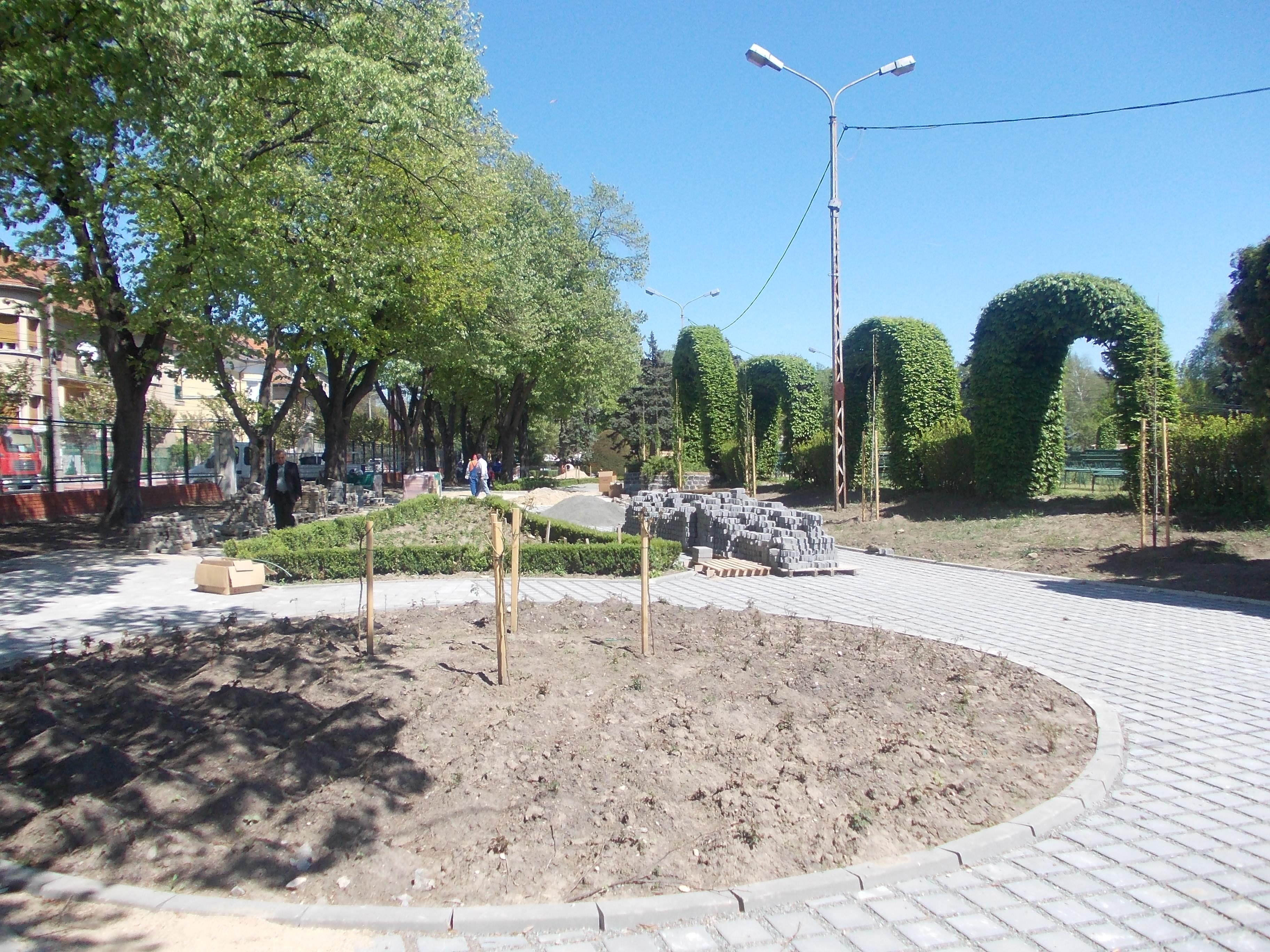 Dupa ce a fost inchis timp de un an, pentru modernizari, Parcul Rozelor si-a redeschis portile
