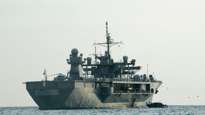 Un distrugator al SUA s-a apropiat de o insula din Marea Chinei. Beijingul a reactionat printr-o desfasurare masiva de forte