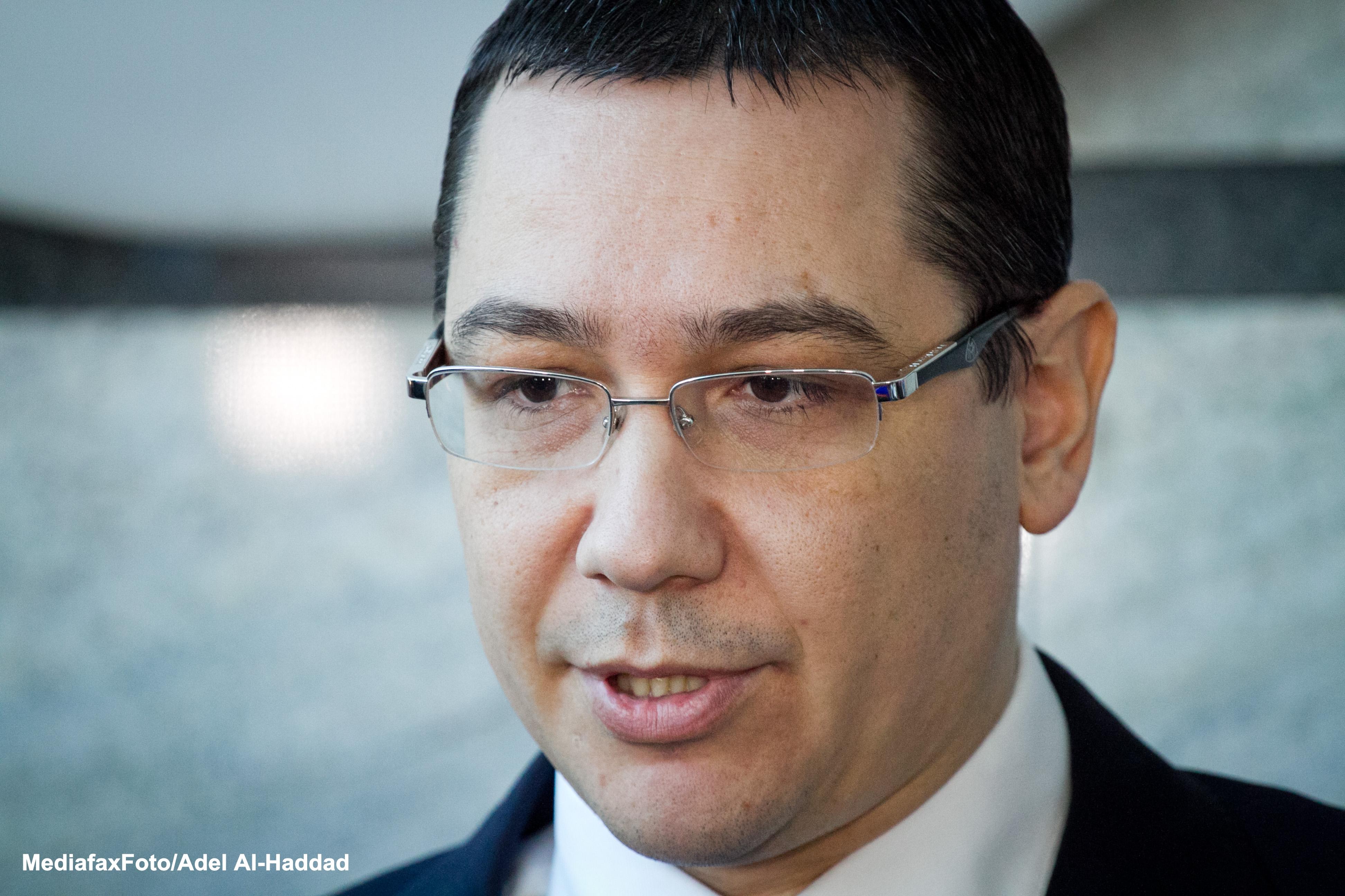 Ponta: Este rusinos ca in Romania sa existe drum national de pamant