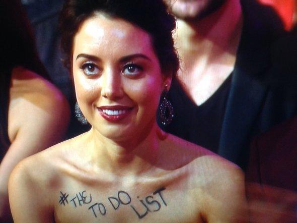 Actrita, data afara de pe scena la MTV Movie Awards. Ce si-a scris pe piept