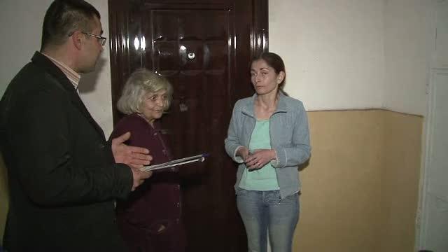 O familie din Targoviste a ajuns pentru a doua oara in strada, din cauza datoriilor la intretinere