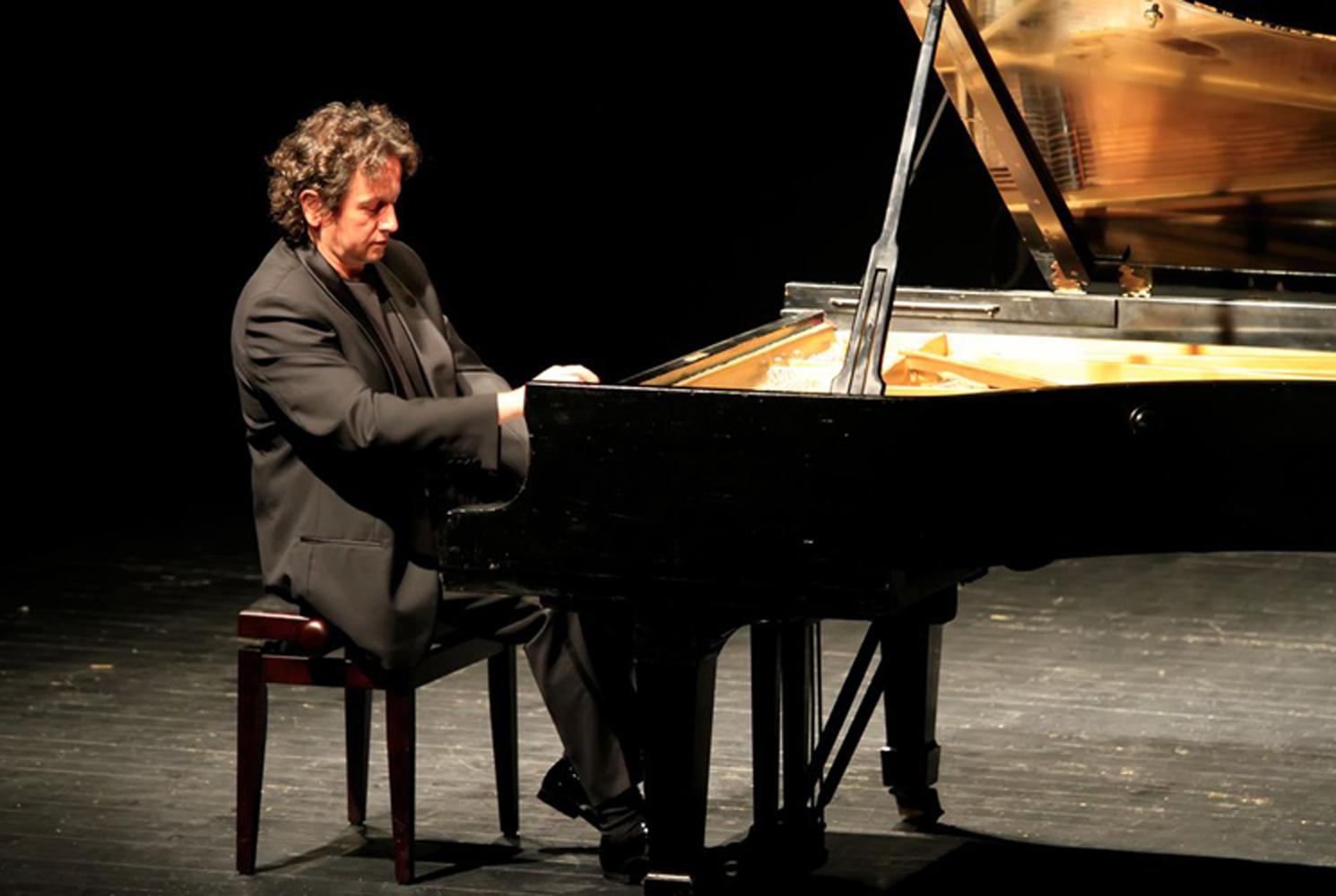 Saptamana Mozart la Filarmonica de Stat Sibiu. Horia Mihail si Pianul Calator prezinta un recital 100% Mozart