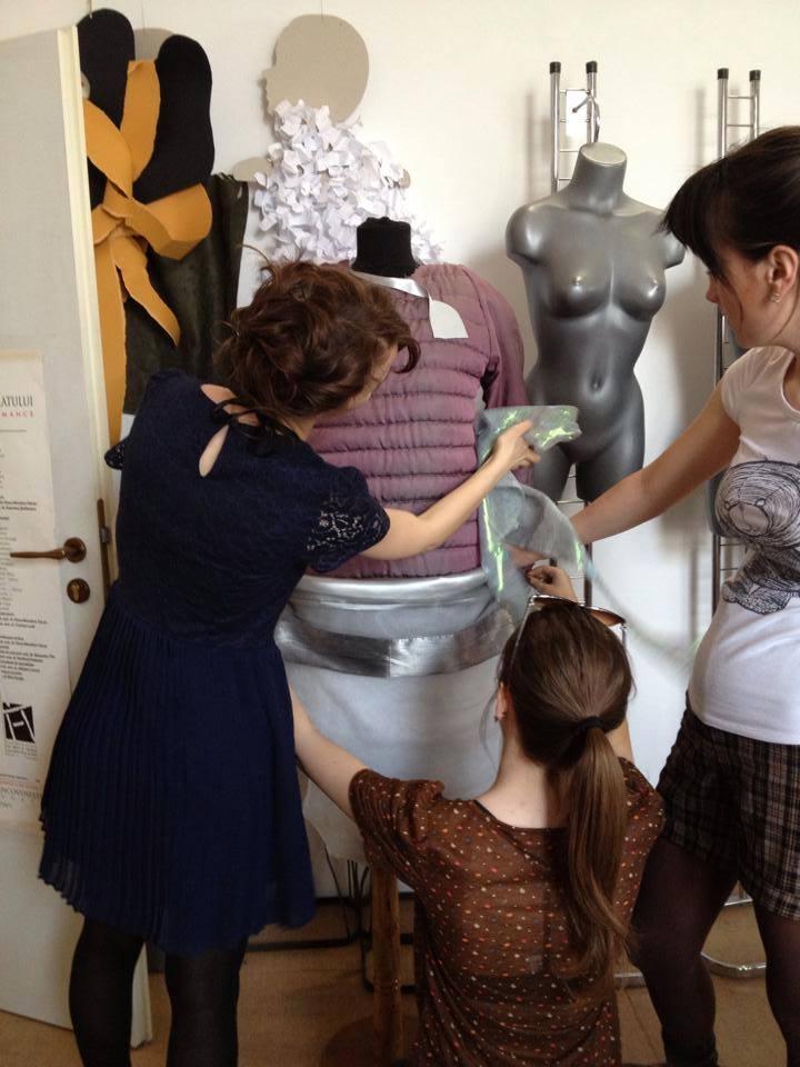 "Prezentare de moda pentru o cauza nobila. Timisorenii sunt invitati la ""Family Style Fashion Week"""