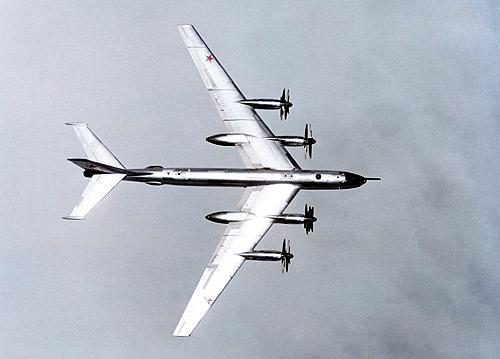 Incident aviatic deasupra Moscovei: un avion cu pasageri, aproape de o coliziune cu un bombardier rus