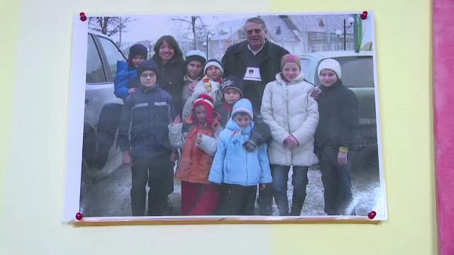 Decizia luata de cativa calugari din Italia a schimbat viata a zeci de orfani romani