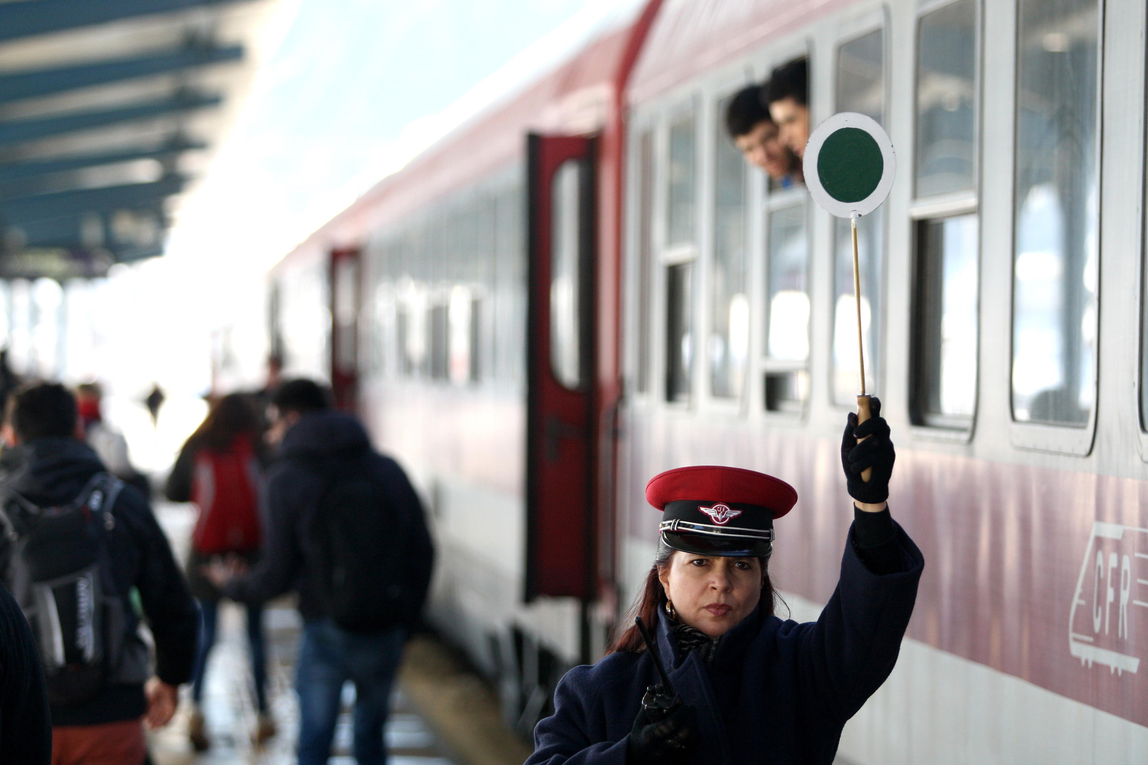 CFR Calatori: 17 trenuri vor circula suplimentar de Pasti si 1 Mai. Vezi programul