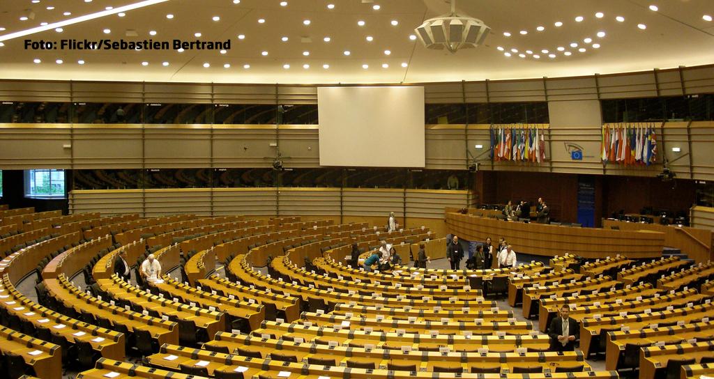 Conducerea PNL a votat trecerea la grupul PPE din Parlamentul European. Liderii ALDE: