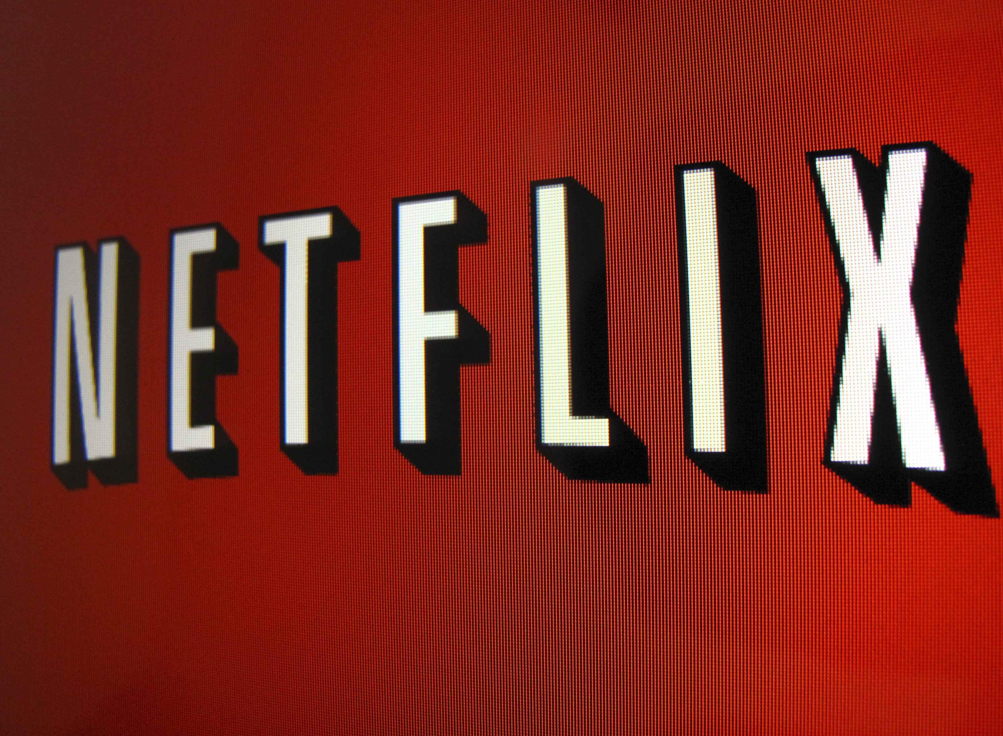 Netflix devine post de televiziune. 500.000 de americani il vor regasi in grila de programe inceptand cu saptamana viitoare